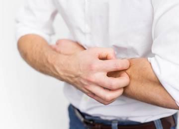 Зуд тела при заболевании печени: почему чешется кожа?