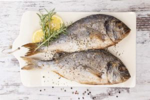 Какая рыба полезна для детей и как ее готовить?