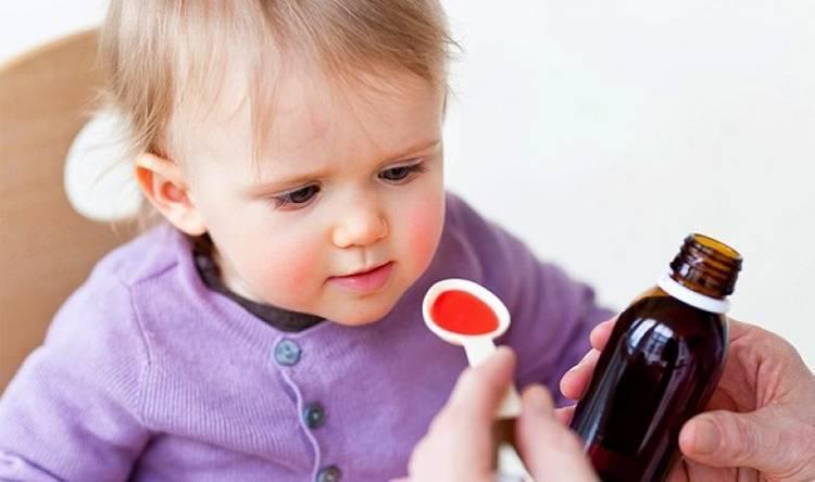 Как лечить лающий кашель у малыша без температуры: советы комаровского