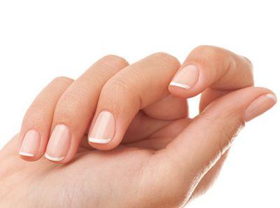 На ногтях появились чёрные полоски (как заноза и др): причины у детей и взрослых +фото