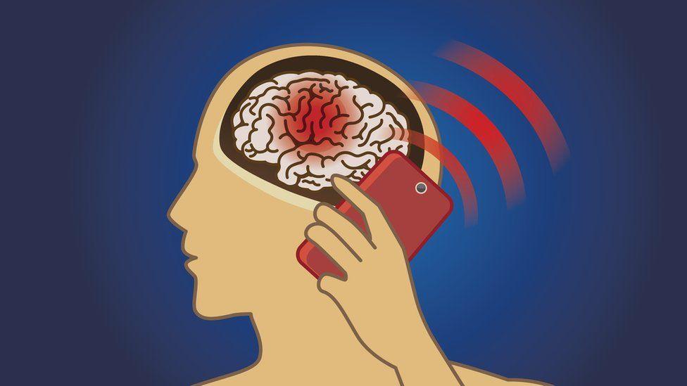 Влияние сотового телефона на организм человека: что под прицелом и как защитить себя?