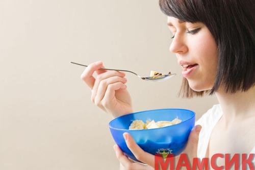 Питание после кесарева сечения для кормящей матери  в первые дни, недели, меню
