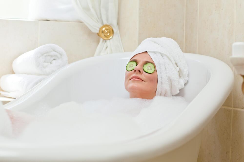 Есть вопрос: горячий душ — это невредно?