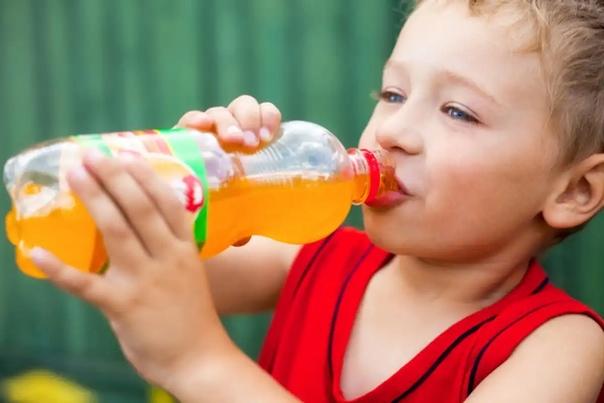 Чем вредны газированные напитки?