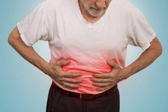 Мокрота с кровью: разбор причин появления при отхаркивании, клиника, диагностика, как лечить