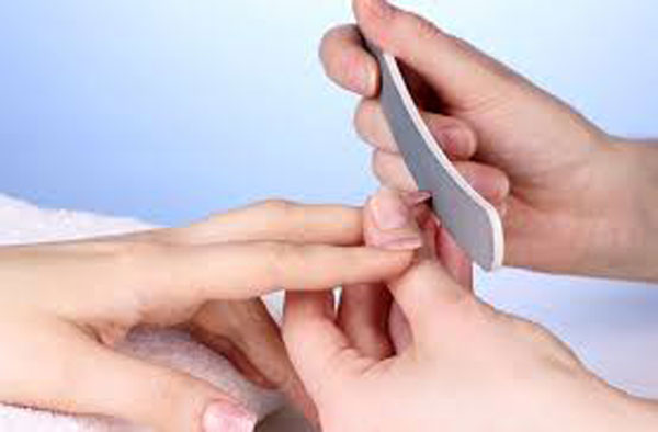 Красивые руки – это просто: правила эффектного ухода за ногтями дома