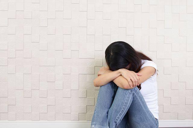 Признаки и причины нервного кашля у взрослых и детей