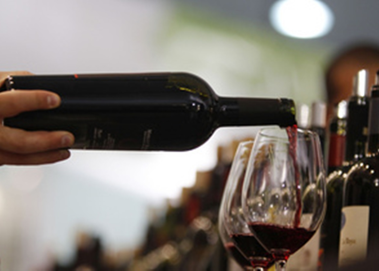 Чем полезно красное вино для организма?