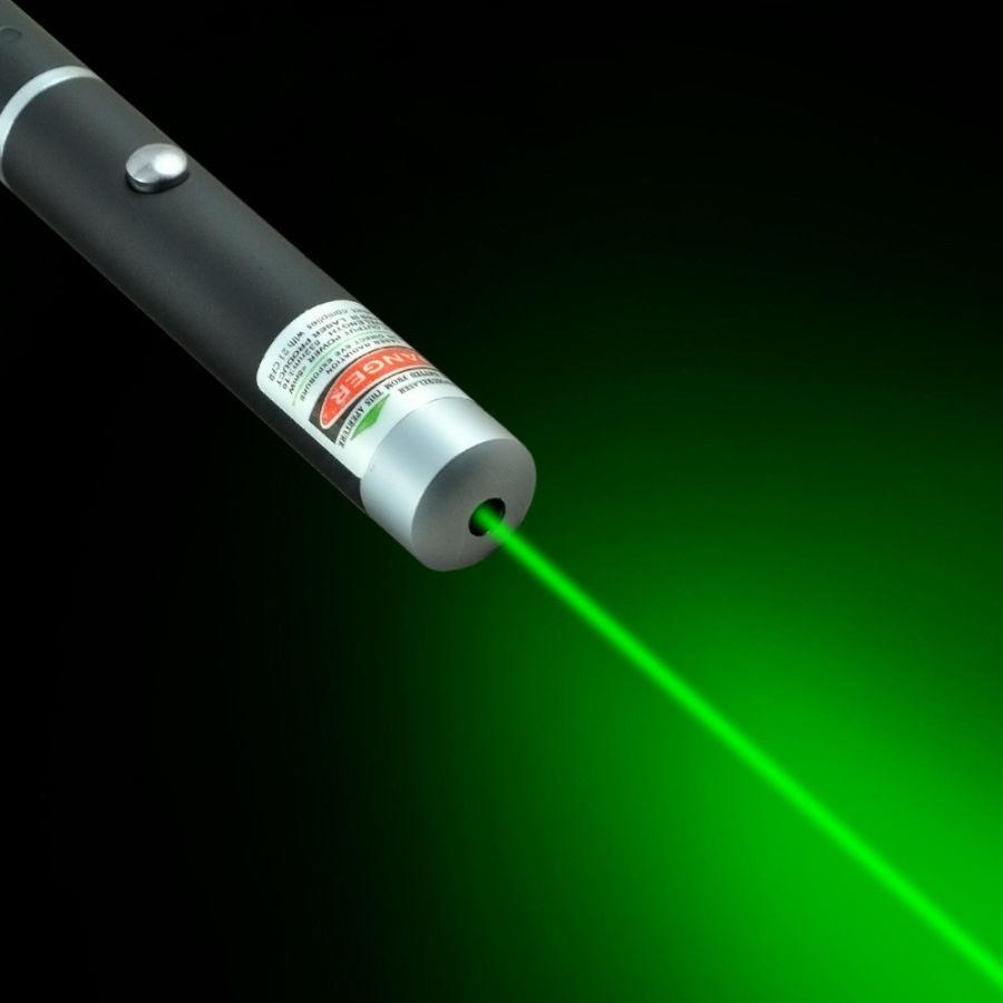 Может ли указка ослепить пилота: маленькие лазеры