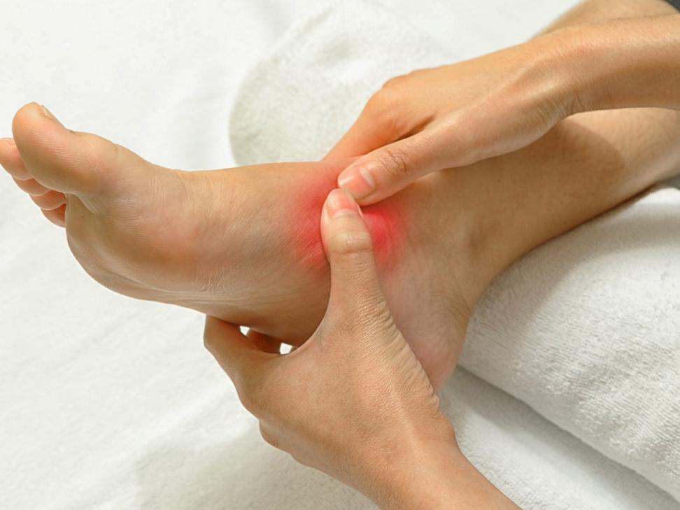 Артрит голеностопного сустава: симптомы и лечение