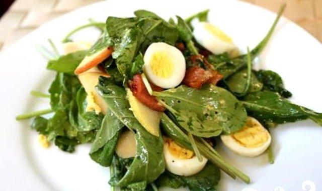 Низкокалорийные салаты для похудения из простых продуктов: рецепты