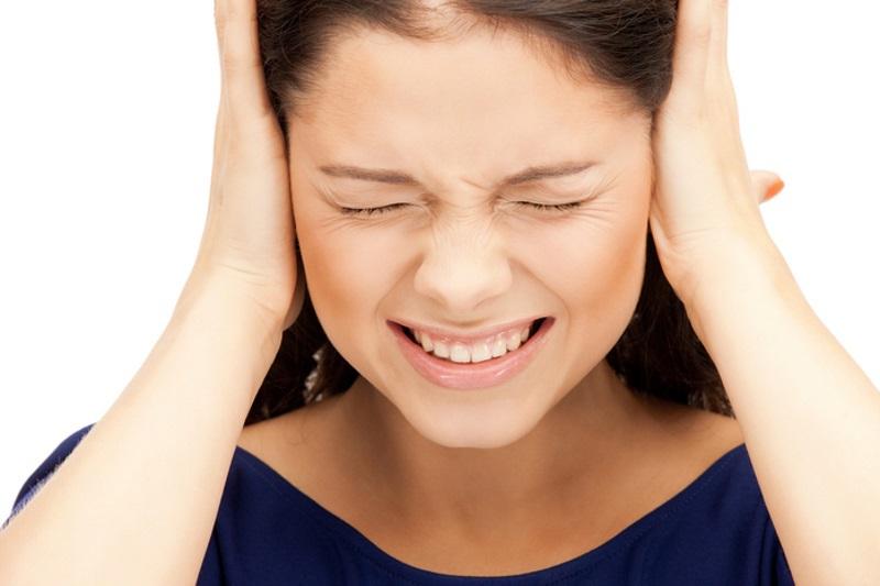 Свист в ушах и голове: причины, лечение, как избавиться