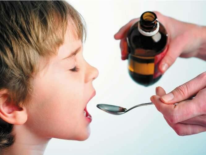 Почему возникает лающий внезапный кашель у ребенка и как помочь малышу