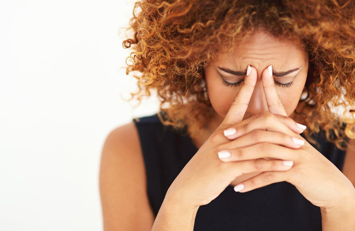 Ранняя седина: причины, симптомы, диагностика и лечение