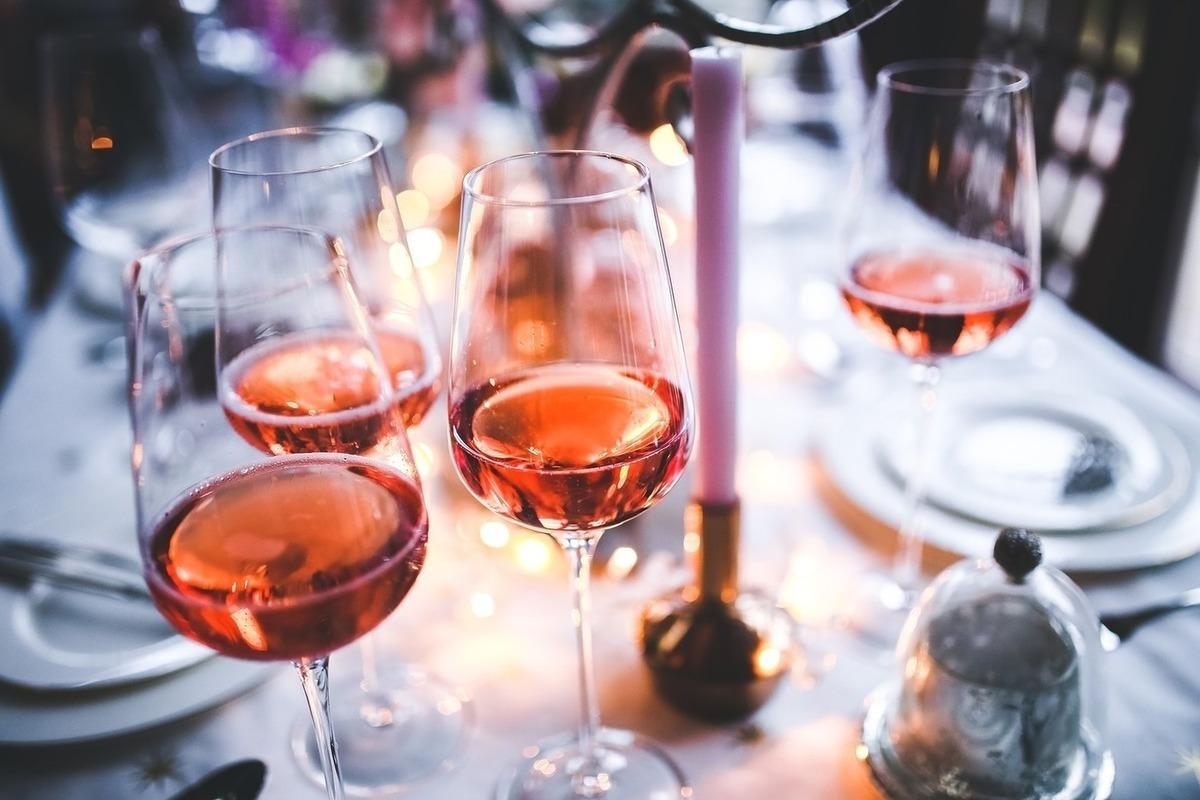 Как правильно употреблять красное вино, польза и вред