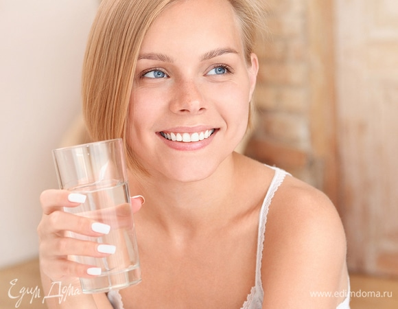 Почему вам не нужно пить по 8 стаканов воды ежедневно