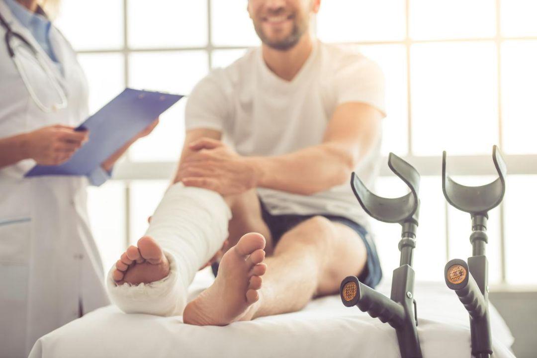 Экзостоз бедренной кости: что это за наросты, причины, лечение