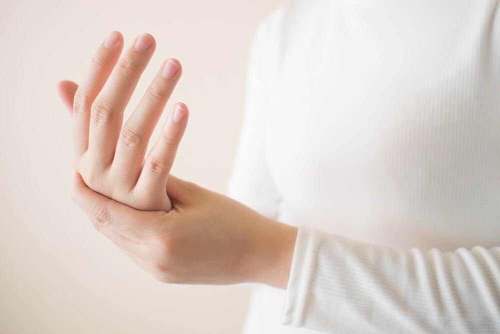 Почему немеют руки при беременности и что с этим делать?