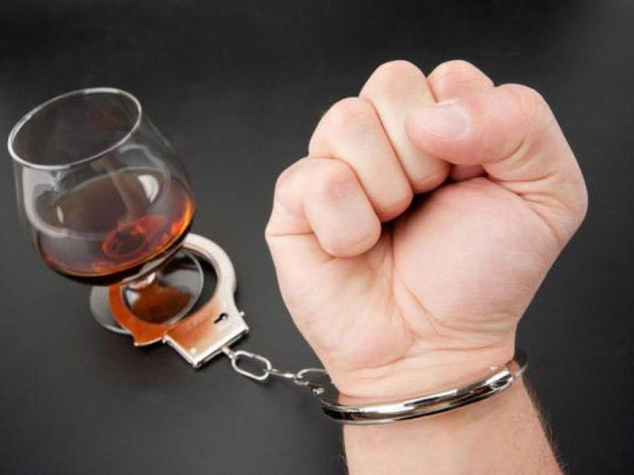 Третья стадия алкоголизма: признаки и симптомы, лечение, последствия