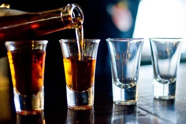 Чем опасно курение и алкоголь при астме?