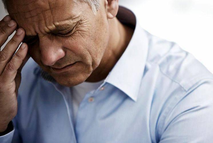 Основные причины и лечение свиста в ушах и голове