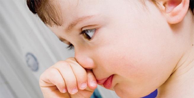 Что такое нервный тик у ребенка, моргание глазами у малышей и подростков