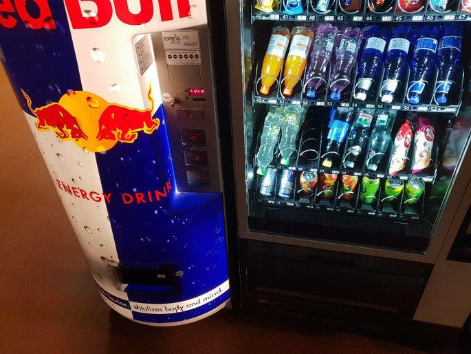 Опасность энергетических напитков и негативные последствия их употребления