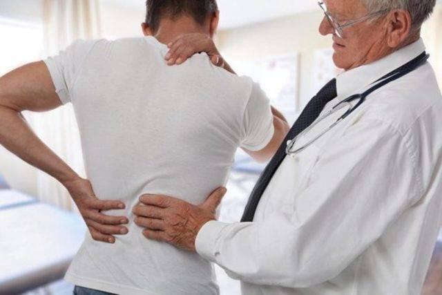 Когда болит при кашле сзади спины
