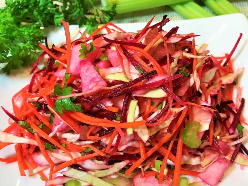 """Как приготовить салат """"щетка"""" для похудения и очищения кишечника без диеты за 2 дня: лучшие рецепты"""