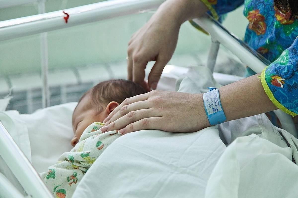 Пневмония у новорожденных: причины и лечение