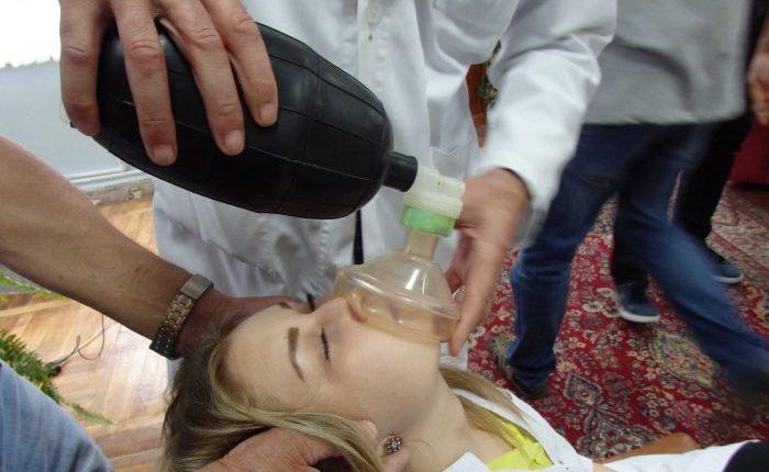 Оказание первой помощи при отравлении угарным газом: признаки и симптомы отравления, проведение доврачебных мероприятий, возможные последствия