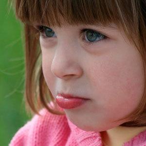 Заеды в уголках рта: причины, лечение трещин на губах