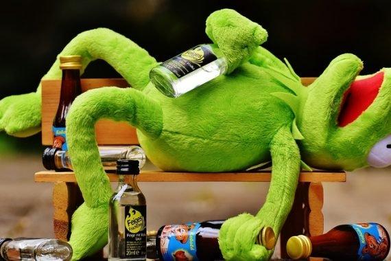 Отравление алкоголем признаки, симптомы и лечение