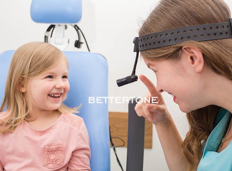 Что может означать боль в горле, которая отдает в ухо