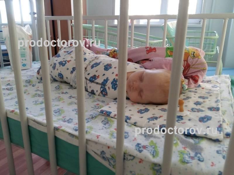 Сколько нужно лежать в больнице пациенту с бронхитом и на какой срок ему обычно дают больничный
