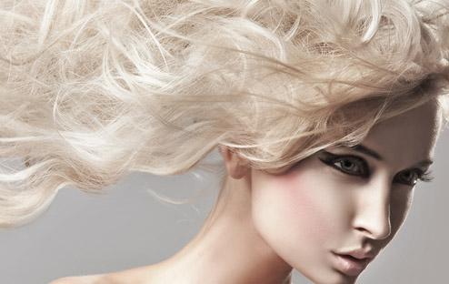 Как осветлить волосы гидроперитом, аммиаком, перекисью водорода и нашатырным спиртом в домашних условиях – фото результатов