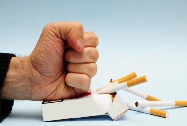 Можно или нельзя курить при кашле?