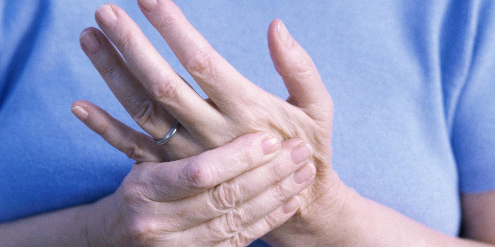Немеет правая рука: причины и лечение, к какому врачу обратиться