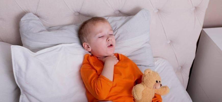Двухмесячный ребенок кашляет – причины, что делать
