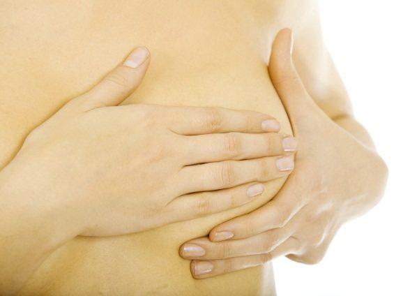 Грудь набухла и болит: причины, симптомы и диагностика. причины набухания и болезненности молочных желез у женщин