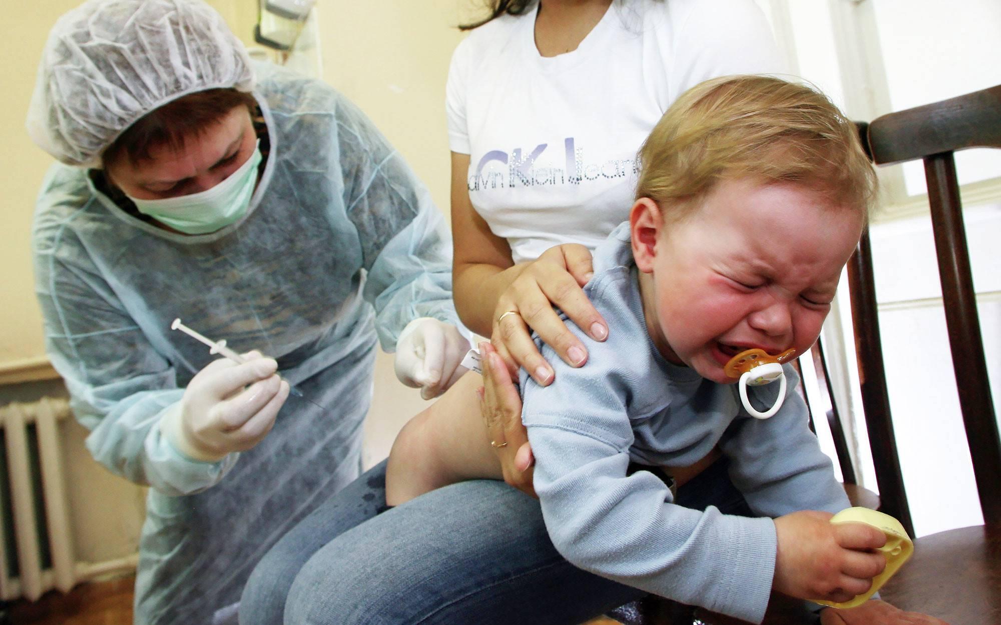 Что делать если после прививки акдс у ребенка образовалась шишка