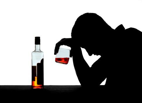 Обзор всех стадий алкоголизма у женщин