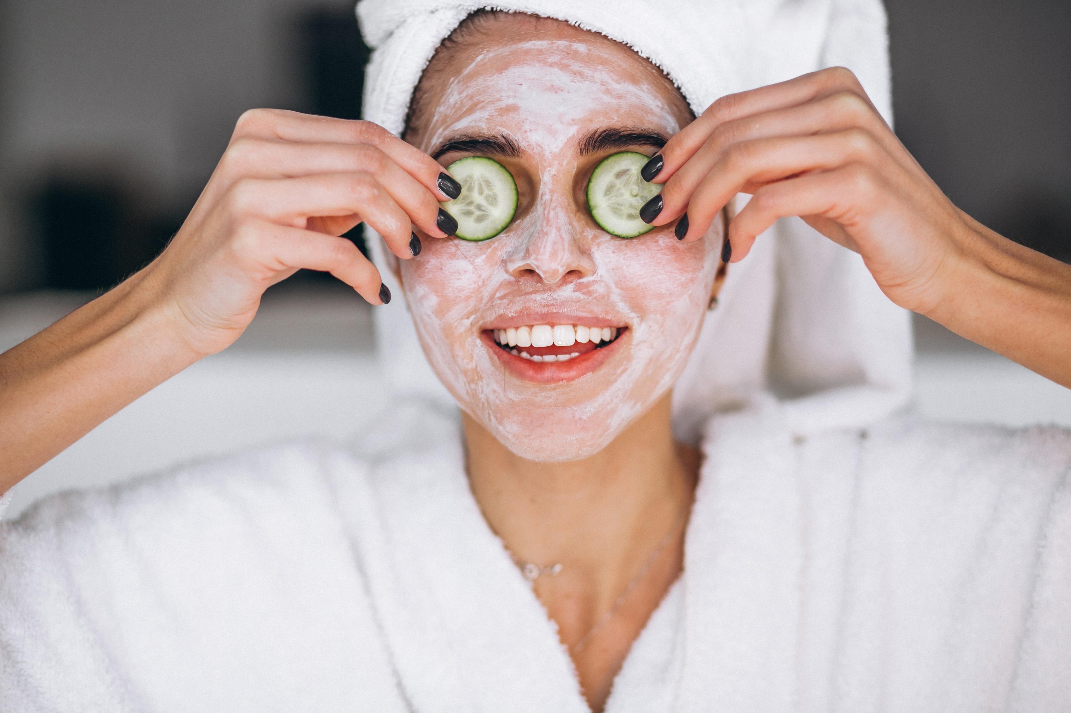 Маска для сухой кожи лица в домашних условиях: питательная, увлажняющая, очищающая