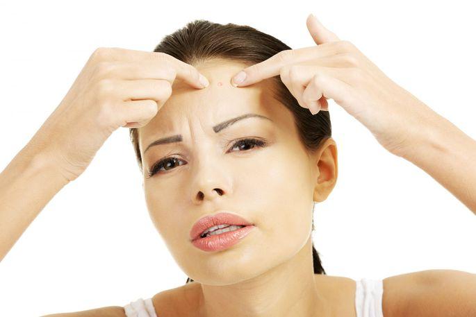 Причины и лечение прыщей на шее у женщин и мужчин