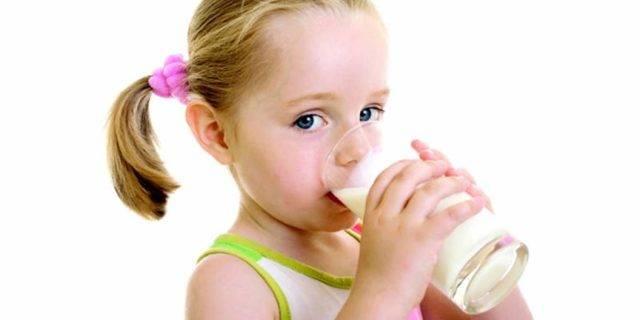 Проверенное временем народное лекарство: минералка с молоком от кашля