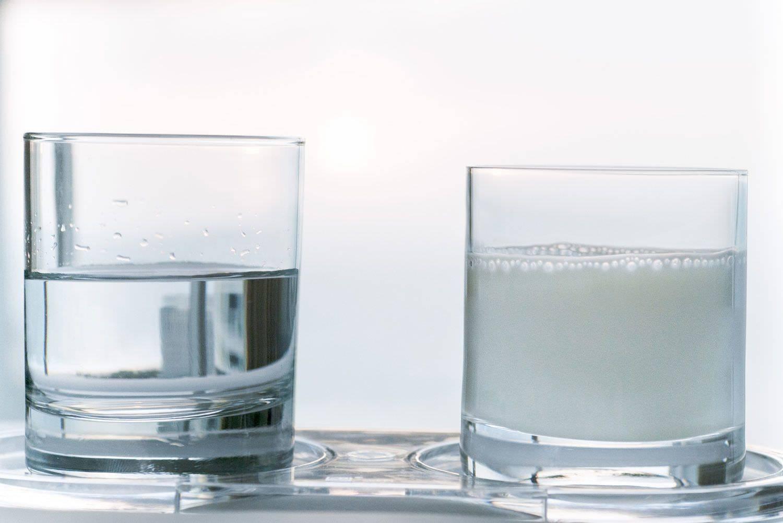 Молоко от кашля: рецепты с маслом, медом, содой, прополисом, инжиром, минералкой, луком и чесноком