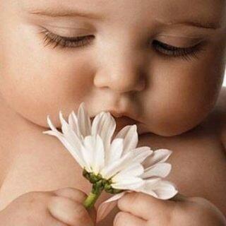 Диатез на щеках у ребенка: чем лечить, что делать, фото
