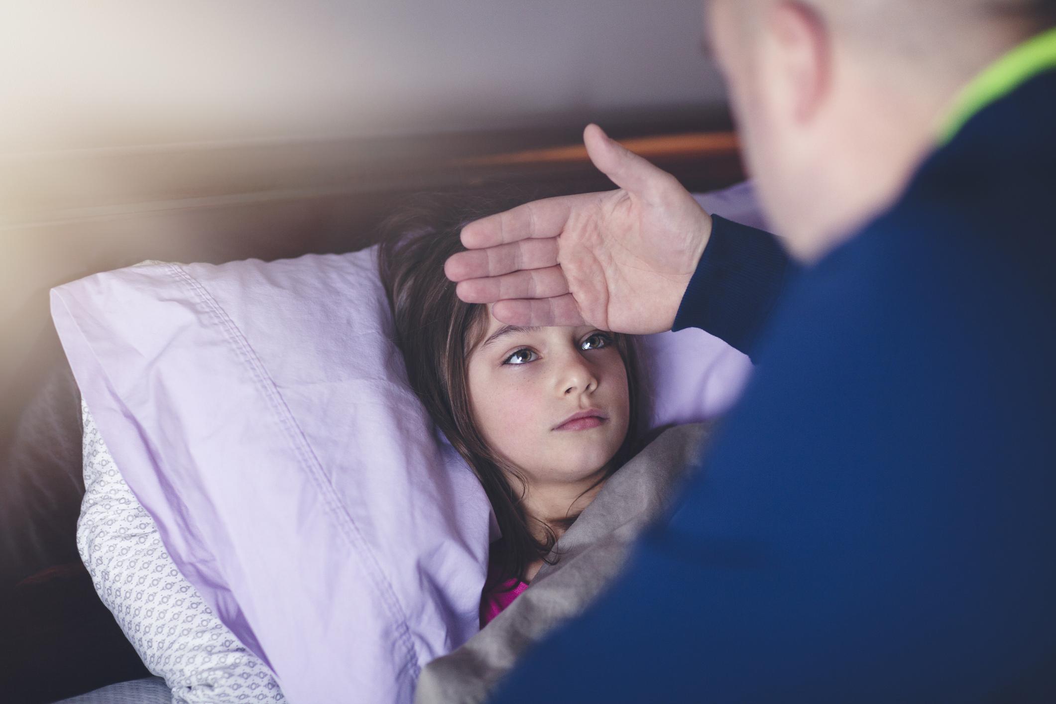 Рвота у ребенка - как остановить, что давать от рвоты ребенку