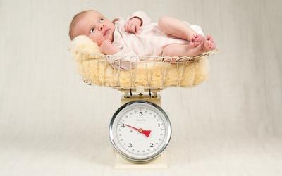 Недоношенные дети - особенности развития по месяцам до года, питание, набор веса и уход за новорожденным