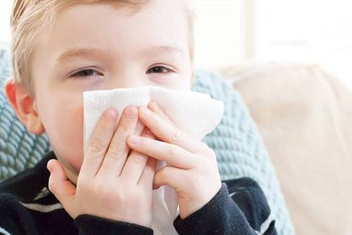 Сухой кашель у ребенка: причины, симптомы и лечение